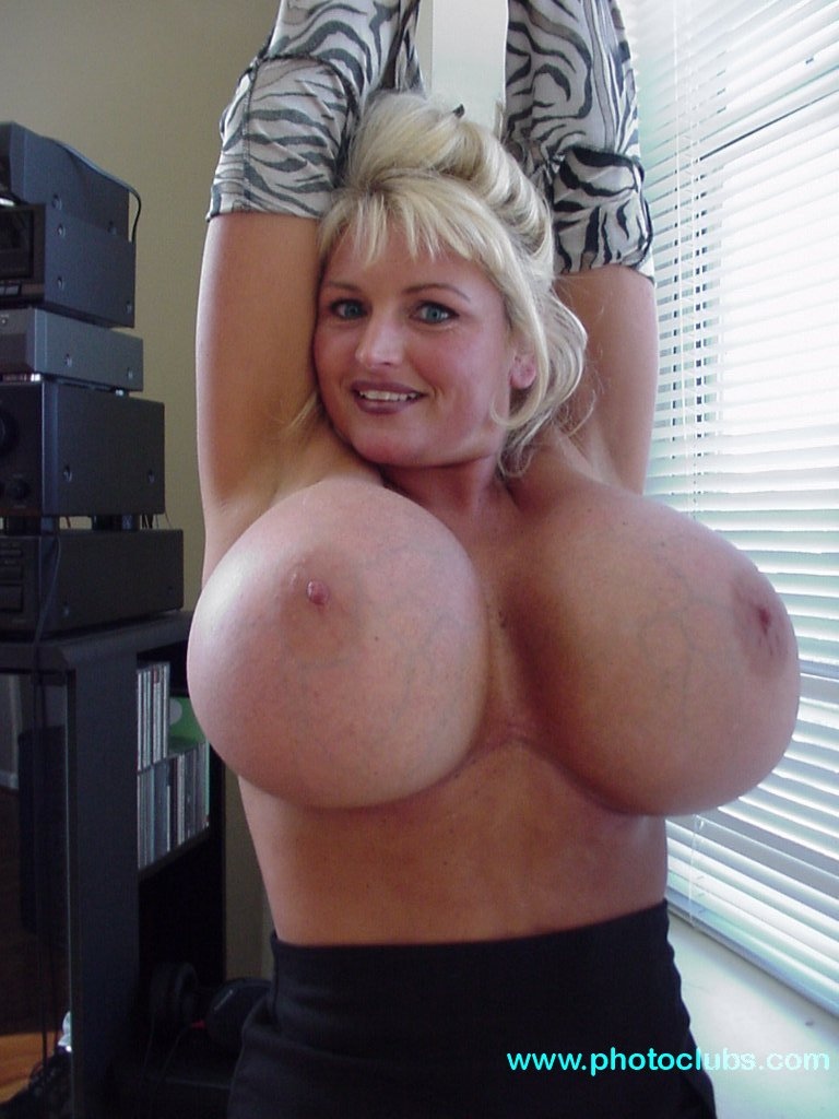 Bella twins naked